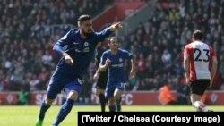 Giroud d'Arsenal jubile après le 3e but de son équipe lors du match de la 34e journée en Premier League contre Southampton, au stade St-Marie, à Southampton, 24 avril 2018. (Twitter/Chelsea)