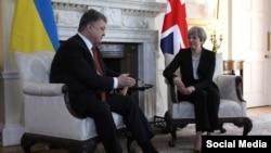 Президент Петро Порошенко і прем'єр Тереза Мей