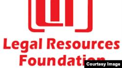 Sangano reLegal Resources Foundation richishanda nesangano reDeaf Zimbabwe Trust vakaenda kumatare vachipikisa chikamu 193 chebumbiro remitemo.