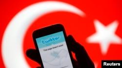 Pemerintah Turki telah mencabut larangan terhadap jaringan media sosial Twitter, Kamis 3/4 (foto: ilustrasi).