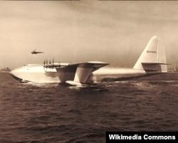 초대형 수송기 H-4 허큘리스.