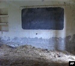 گھوسٹ اسکول کا ایک کلاس روم