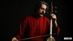 """کیهان کلهر تنها نوازنده ایرانی نامزد دریافت جایزه """"امی"""" است."""