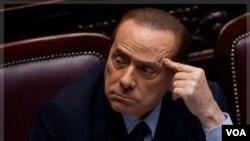 Perdana Menteri Italia Silvio Berlusconi di hadapan parlemen di Roma (Foto: dok)
