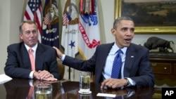 Tổng thống Barack Obama và Chủ tịch Hạ viện John Boehner nói chuyện với các phóng viên tại Toà Bạch Ốc, Washington, 16/11/2012