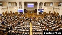 ក្រុមសមាជិកនៃសហភាពអន្តរសភា IPU ឬ Inter-Parliamentary Union ដែលមានសមាជិកជាតំណាងរាស្ត្រជាង៨០០ នាក់ពី ១៥៥ ប្រទេសទូទាំងពិភាពលោក បានលើកឡើងអំពីបញ្ហាកម្ពុជា និងទាមទារឱ្យមានការដោះលែងលោក កឹម សុខា គណបក្សសង្គ្រោះជាតិ 