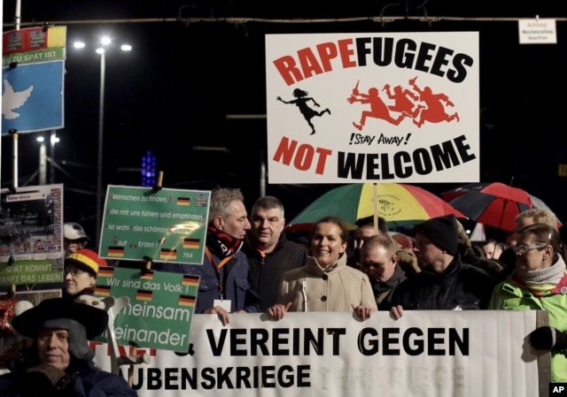 Biểu tình tại Leipzig phản đối chính phủ Đức tiếp nhận người tị nạn sau các vụ tấn công đêm giao thừa ở Cologne.