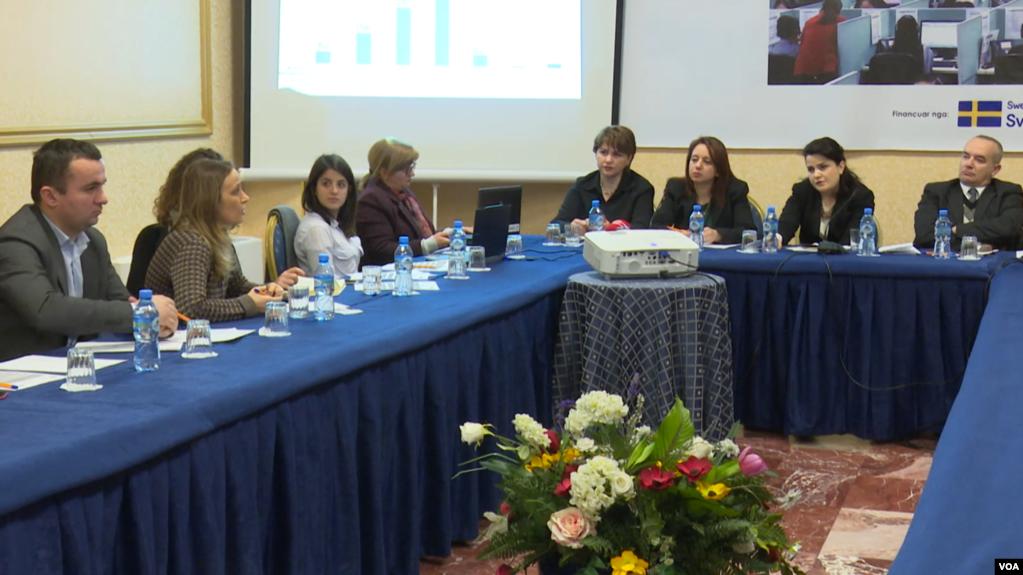 """Shqipëri: """"Call-Center"""", mungesa në kushte pune dhe trajtim të punonjësve"""