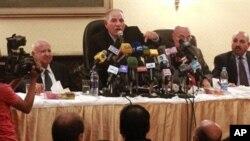 Para hakim senior di Mesir saat memberikan konferensi menentang RUU baru kehakiman (foto: dok). Kehakiman Mesir dan kantor Presiden Morsi mencapai kata sepakat hari Minggu 28/4.