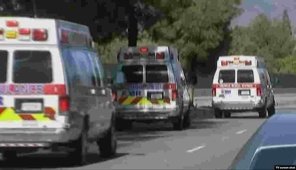 Ambulans di lokasi penembakan di San Bernardino, California (2/12).