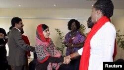 Cô Malala Yousafzai đến Abuja, Nigeria, ngày 13/7/2014.