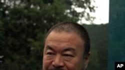 چین کے بے باک فن کار نے متنازع ٹیکس ادا کردیا