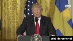 دونالد ترامپ رئیس جمهوری ایالات متحده در نشست خبری مشترک با نخست وزیر سوئد در کاخ سفید - ۱۵ اسفند ۱۳۹۶