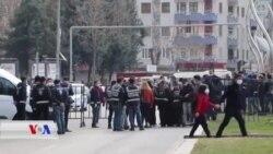 Polîsan Nehîşt ku Parlamanterên HDPê Salvegera Girtina Ocalan Şermezar Bikin