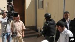 L'ancien président Hosni Moubarak à son arrivée au tribunal