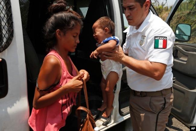 La inquietud se apoderó esta semana de la caravana migrante tras una redada en México