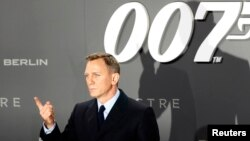 Actor Daniel Craig - James Bond 007