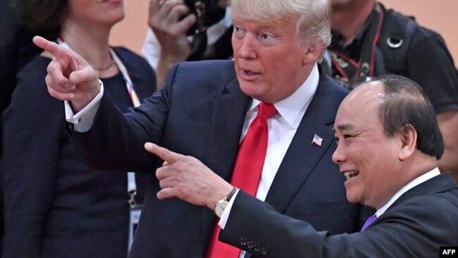 Ông Phúc trong cuộc gặp với Tổng thống Mỹ Donald Trump ở Đức.