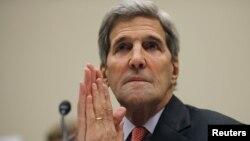 Ngoại trưởng Mỹ John Kerry làm chứng trước buổi điều trần tại Uỷ ban Đối ngoại Hạ viện về thỏa thuận hạt nhân Iran tại Washington, ngày 28/7/2015.