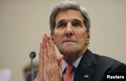 ລັດຖະມົນຕີ ຕ່າງປະເທດ ສະຫະລັດ ທ່ານ John Kerry ໃຫ້ການຕໍ່ສະພາ