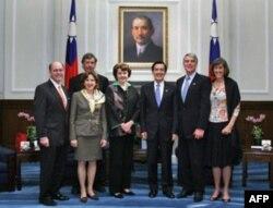 马英九总统会见美国参议院访问团