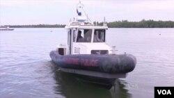 美國給了菲律賓海警6艘這樣的船,幫助他們抓捕非法漁民。(視頻截圖)