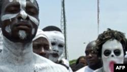 Ủng hộ viên của nhà lãnh đạo Angola tuần hành ủng hộ Tổng Thống