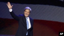 Seneta John Kerry ambaye anatarajiwa kuchukua nafasi ya Hillary Clinton wote kutoka chama cha Democrat