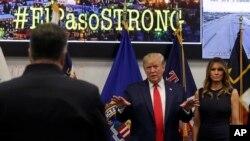 UTrump lomkhakhe uMelania Trump.