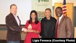 Primeira-dama de Cabo Verde Lígia Fonseca a receber o prémio da Africa Horizon