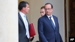 French President Dissolves Government