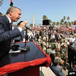 Turkiya Bosh vaziri Rajab Toyib Erdog'an Tripoliga bordi, 16-sentabr 2011