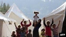 Сирийские дети в турецком лагере беженцев.