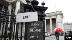 Các nước sử dụng đồng euro cho biết họ đang gia tăng công tác chuẩn bị để cứu nguy Ireland nếu có sự yêu cầu của quốc gia có nhiều nợ nần này
