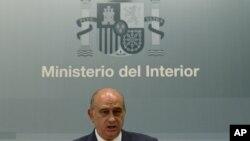 Bộ trưởng Nội vụ Tây Ban Nha Jorge Fernandez Diaz phát biểu trong một cuộc họp báo tại Madrid, ngày 2/8/2012