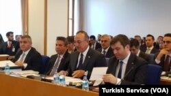 Dışişleri Bakanı Mevlüt Çavuşoğlu, TBMM Plan ve Bütçe Komisyonu'nda Dışişleri Bakanlığı'nın 4 milyar 631 milyon 723 bin liralık bütçe teklifine ilişkin açıklamalarda bulundu.