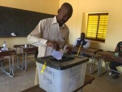 Adamou Idé, secrétaire adjoint à la Communication du MNSD Nassara au micro de Bagassi Koura