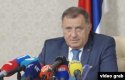 Milorad Dodik za vrijeme konferencije za novinare.