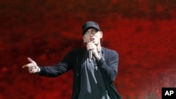 Rapper Eminem predvodi po broju nominacija za Grammy u kategoriji rock, pop i R&B (AP Photo/Jason DeCrow)