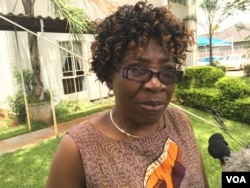 HIV activist Tariro Kutadza wants more research done on young women's use of the vaginal ring to prevent infection. (S. Mohfu/VOA)
