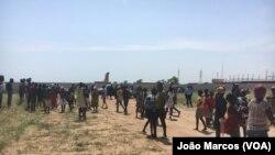 Protestos contra demolições de casas