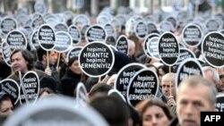 İstanbulda on minlərlə insan Hrant Dinkin öldürülməsinin ildünümünü qeyd edib