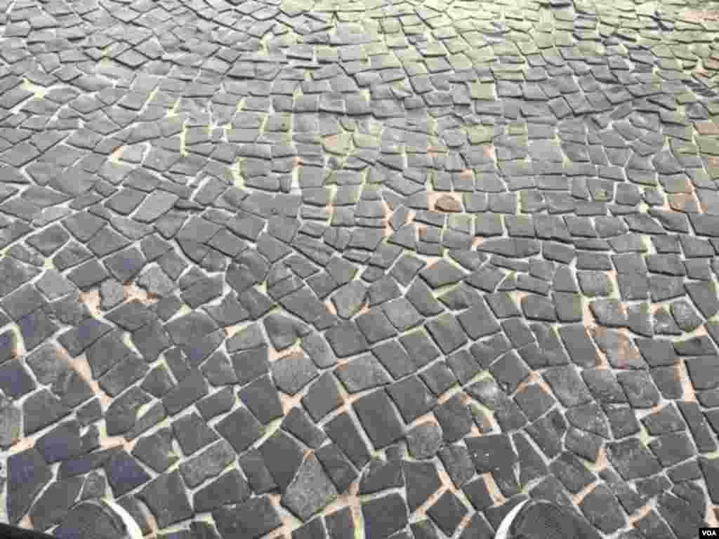 این سنگفرش ها در همه جای ریو تقریبا پیدا می شود.