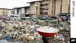 Les déchets toxiques avaient été déversés au petit bonheur à travers Abidjan