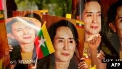 Seorang pengusaha konstruksi Myanmar yang memiliki hubungan dekat dengan penguasa militer mengklaim ia secara pribadi pernah memberi Aung San Suu Kyilebih dari setengah juta dolar uang tunai. (Foto: AFP)