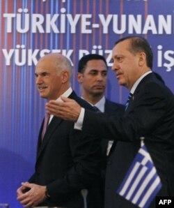 Başbakan Erdoğan Atina'da Temaslarını Sürdürüyor