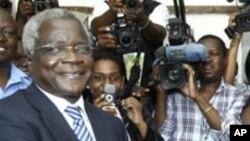 Porta-voz da Renamo disse que Afonso Dhlakama foi obrigado a deixar a sua base em Santungira devido à pressão militar governamental