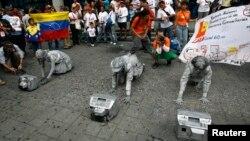 Los estudiantes de periodismo en Venezuela luchan en las calles porque solo quieren un país donde puedan ejercer la profesión donde se respeten las libertades fundamentales.