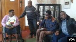 Abanye abakhubezekileyo abafuna ukuthi ikhansili yeHarare ibalungisele indlela yokungena eTown House.