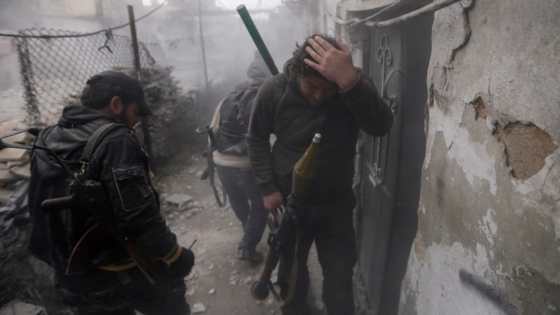 Killing in Syria Accelerates as Both Sides Dig In
